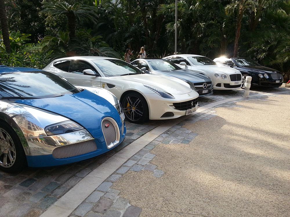 voitures de luxe parquées monaco