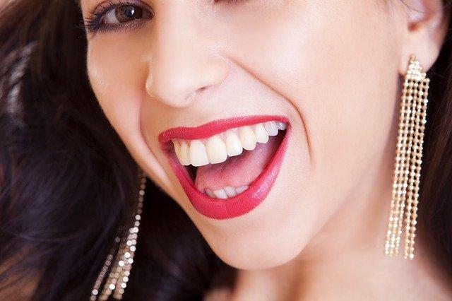rouge à lèvres fonction couleur de cheveux
